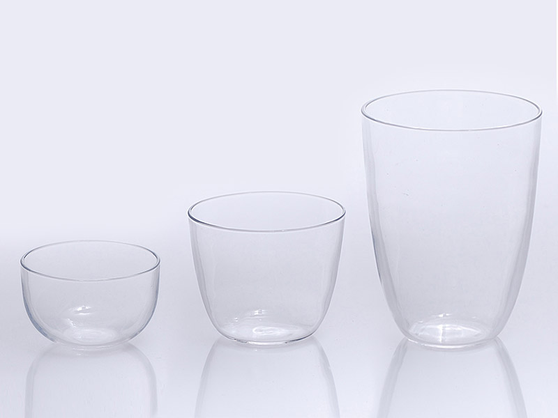 Quartz glass crucibles and lids